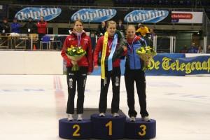 IMG_6912-Podium-dames-met-vlnr-Jessica-Ausma-Yara-van-Kerkhof-en-Rosalie-Huisman